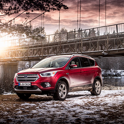 Ford Kuga Titanium in ruby rot metallic